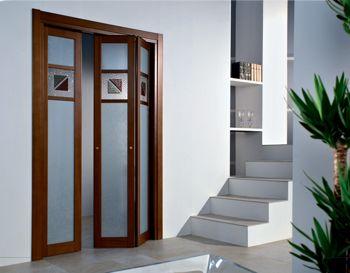 дверь в гипсокартонной перегородке